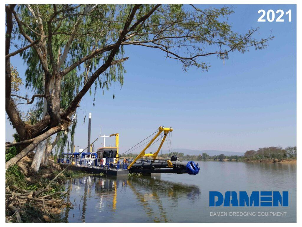 Dredging calendar 2021 with pictures of Damen equipment